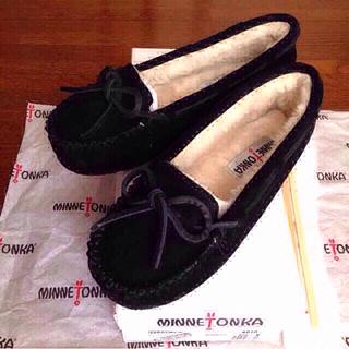 ミネトンカ(Minnetonka)のミネトンカ キャリースリッパーモカシン8(ローファー/革靴)