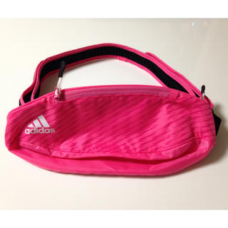 アディダス(adidas)のウエストポーチ(pinky様専用)(ボディバッグ/ウエストポーチ)