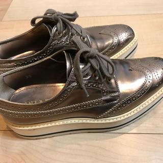 プラダ(PRADA)の週末限定値下げ PRADA ウイングチップ シューズ 厚底 サイズ35(ローファー/革靴)
