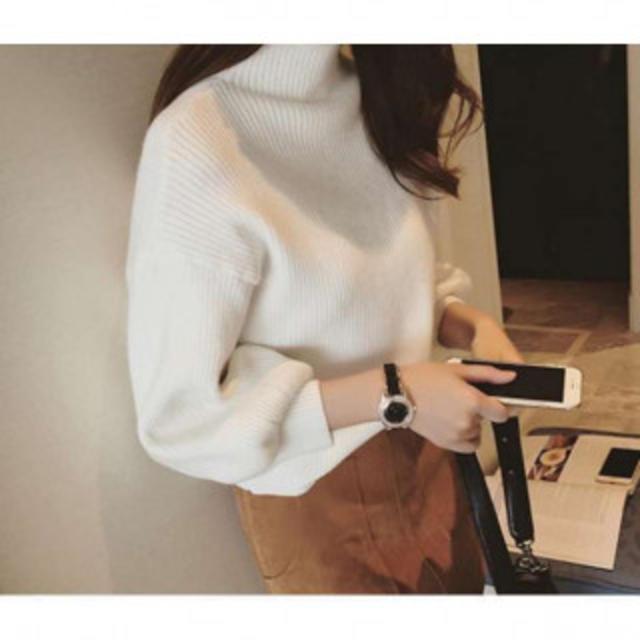 送料無料 ゆったりニット ホワイト セーター ボトルネック レディースのトップス(ニット/セーター)の商品写真