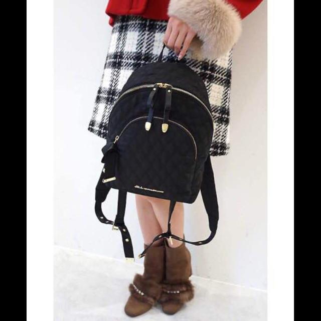 JILL by JILLSTUART(ジルバイジルスチュアート)の美品 ジルバイジルスチュアート  キルトリュック リュック ブラック レディースのバッグ(リュック/バックパック)の商品写真