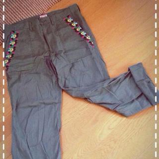 チチカカ(titicaca)のチチカカ夏用長ズボン(カジュアルパンツ)