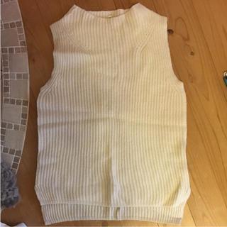 ムジルシリョウヒン(MUJI (無印良品))の美品 無印良品 ホワイトニットベスト(ニット/セーター)