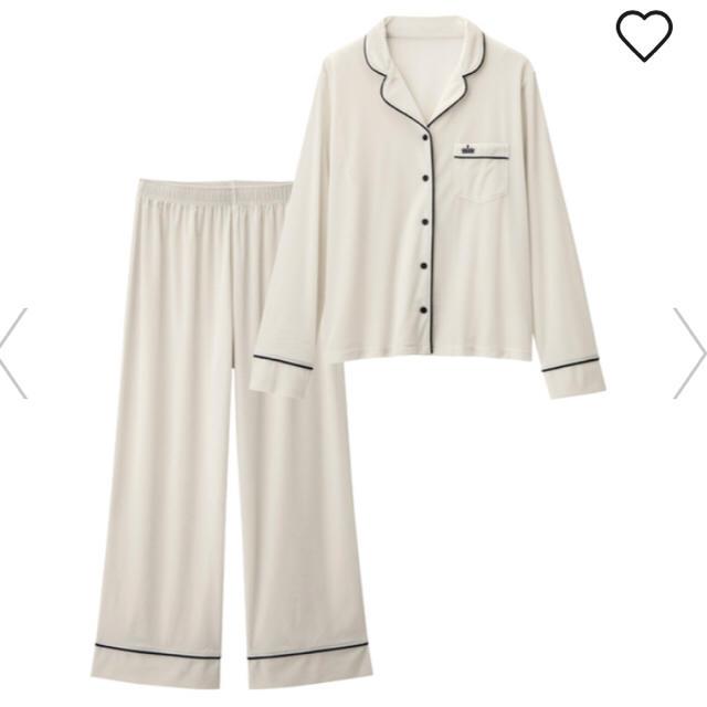 GU(ジーユー)のGU 新品ベロアパジャマ ルームウェア ホワイトMサイズ レディースのルームウェア/パジャマ(パジャマ)の商品写真