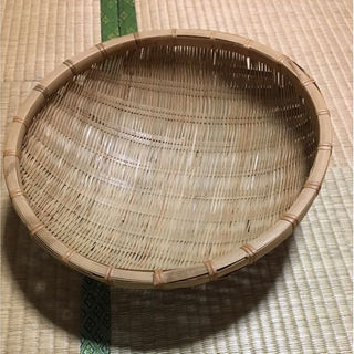 【新品】職人手作り 竹ザル(キッチン小物)