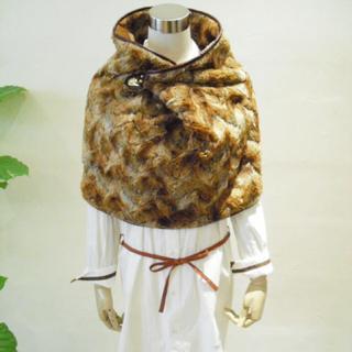ザドレスアンドコーヒデアキサカグチ(The Dress & Co. HIDEAKI SAKAGUCHI)のThe dress&co フェイクファーケープ united arrows(マフラー/ショール)