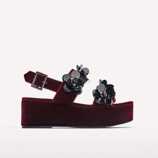 ザラ(ZARA)の完売品 ザラ フラワー サンダル ベロア ベルベット パンツ ワンピ ブーツ(サンダル)