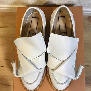 ヌメロヴェントゥーノ(N°21)のN°21 ヌメロヴェントゥーノ 靴(ローファー/革靴)