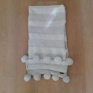 アディダス(adidas)のadidas 白 シルバーラメ入り マフラー ポンポン可愛い 美品(マフラー/ショール)