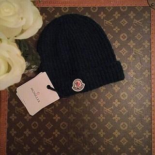モンクレール(MONCLER)の新品モンクレール ニット帽 ユニセックス 焦げ茶色 送料込みにしました。(ニット帽/ビーニー)
