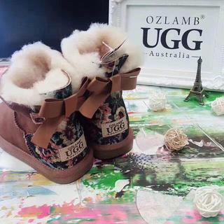 アグ(UGG)の本物UGGオーストラリア購入Kid's(ブーツ)