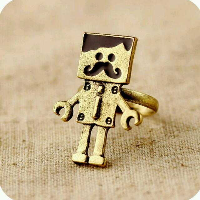 送料無料☆可愛いヒゲロボットリング☆ レディースのアクセサリー(リング(指輪))の商品写真