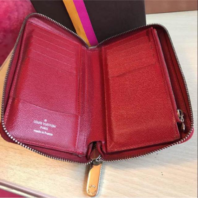 LOUIS VUITTON(ルイヴィトン)のルイヴィトン エピ ジッピーウォレット 財布 レディースのファッション小物(財布)の商品写真