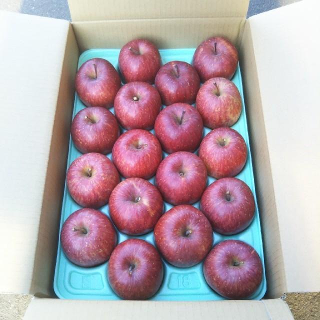 信州 長野 サンふじ りんご ご贈答用 18個入り 贈り物 プレゼント ご家庭用 食品/飲料/酒の食品(フルーツ)の商品写真