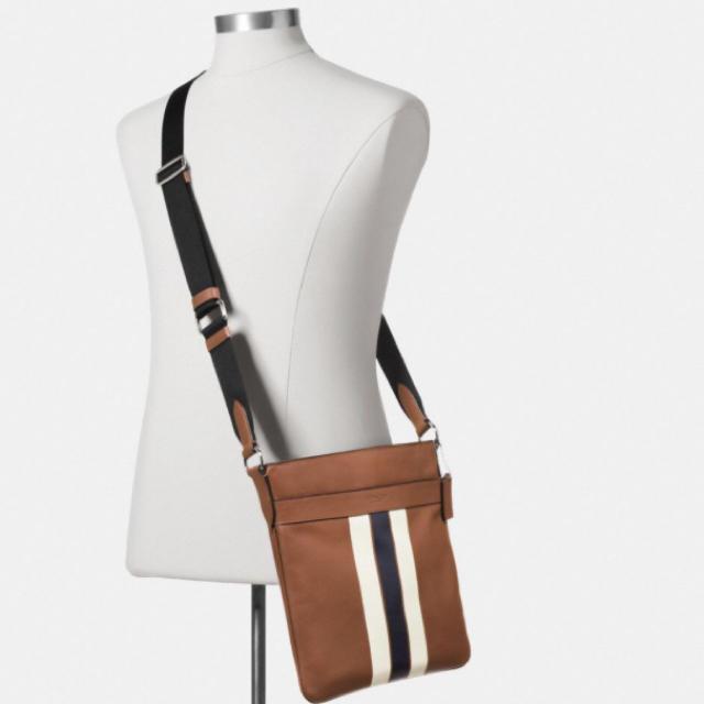 COACH(コーチ)の新品正規品coachクロスボディ メンズのバッグ(ショルダーバッグ)の商品写真