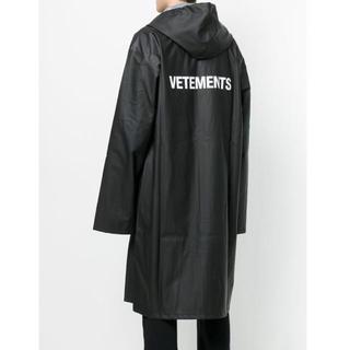 バレンシアガ(Balenciaga)の新品 vetements ヴェトモン レインコート 黒(トレンチコート)