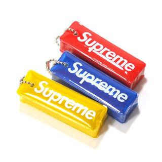 シュプリーム(Supreme)のSupreme - Reflective Puffy Keychain 赤(その他)