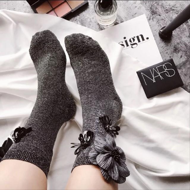 新品☆ソックス☆靴下☆おしゃれ☆フラワー レディースのレッグウェア(ソックス)の商品写真