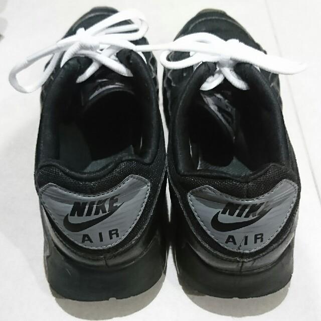NIKE(ナイキ)のナイキ AIRMAX90 ウルトラエッセンシャル レディースの靴/シューズ(スニーカー)の商品写真