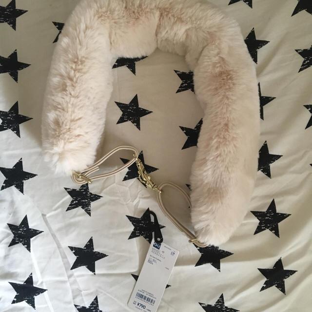 GU(ジーユー)の今期新作♡新品未使用値札付♡gu♡ファーストラップ レディースのバッグ(ショルダーバッグ)の商品写真