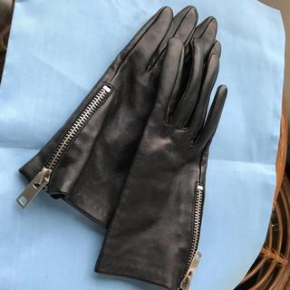 アドルフ(Adolf)の黒 本革 手袋 ジップ付き グローブ 軽くパンク調 未使用 女性 男性どちらでも(手袋)