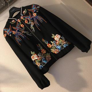 グレースコンチネンタル(GRACE CONTINENTAL)の完売品❤️トロピカル刺繍ブルゾン❤️(ブルゾン)