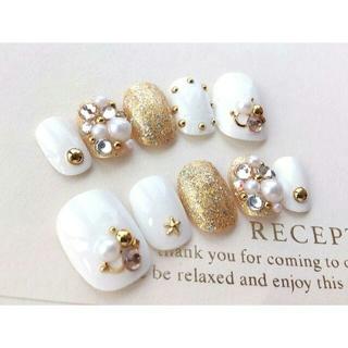 両面テープ付♡ドレス、和装にも♡白とゴールドとスワロ敷詰めのネイルチップ♡762