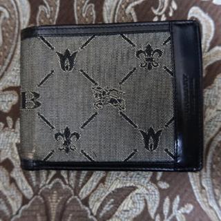 バーバリー(BURBERRY)の【値段交渉随時受付】バーバリー メンズ 二つ折り財布(折り財布)
