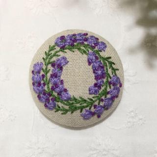 [a.様専用] 刺繍ブローチ・ラベンダーリース・携帯ポーチ(ブローチ/コサージュ)