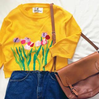 フラワー(flower)のお花の刺繍 黄色セーター(ニット/セーター)