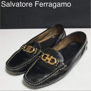 サルヴァトーレフェラガモ(Salvatore Ferragamo)の正規品 フェラガモ ガンチーニ ローファー ブラック(ローファー/革靴)