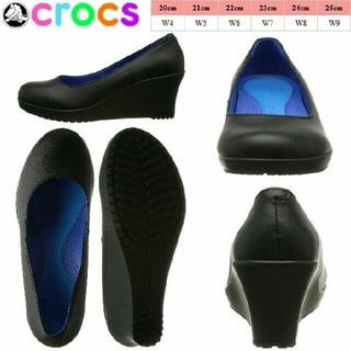 クロックス(crocs)のcrocs/w4/21.5/クロックスアレイクローズドトウシンセティックウェッジ(ハイヒール/パンプス)
