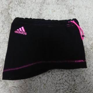 アディダス(adidas)の新品★adidas ネックウォーマー ブラック×ピンク (ネックウォーマー)