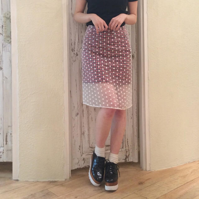 Dolly&Molly(ドリーモリー)の新品 Dolly&Molly ドリーモリー ドットシースルータイトスカート レディースのスカート(ひざ丈スカート)の商品写真