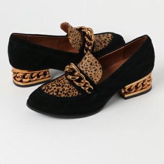 ジェフリーキャンベル(JEFFREY CAMPBELL)のJEFFREY CAMPBELL FOR ROSE BUDチェーンローファー美品(ローファー/革靴)
