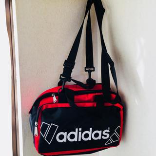 アディダス(adidas)のアディダス adidas ショルダーバッグ ブラックxレッド 黒x赤 新品(ショルダーバッグ)