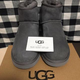 アグ(UGG)のみかたいごん様【新品】UGG クラシックミニ Ⅱ ブーツ(ライトグレー約25㎝)(ブーツ)