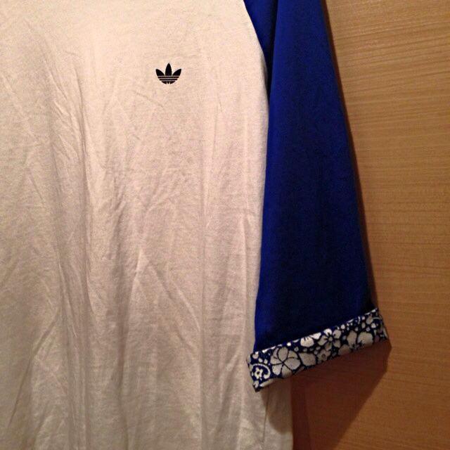 adidas(アディダス)のadidasハイビスカス柄Tee レディースのトップス(Tシャツ(長袖/七分))の商品写真
