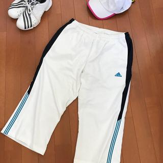 アディダス(adidas)のadidas 膝丈パンツ ホワイトL(ハーフパンツ)