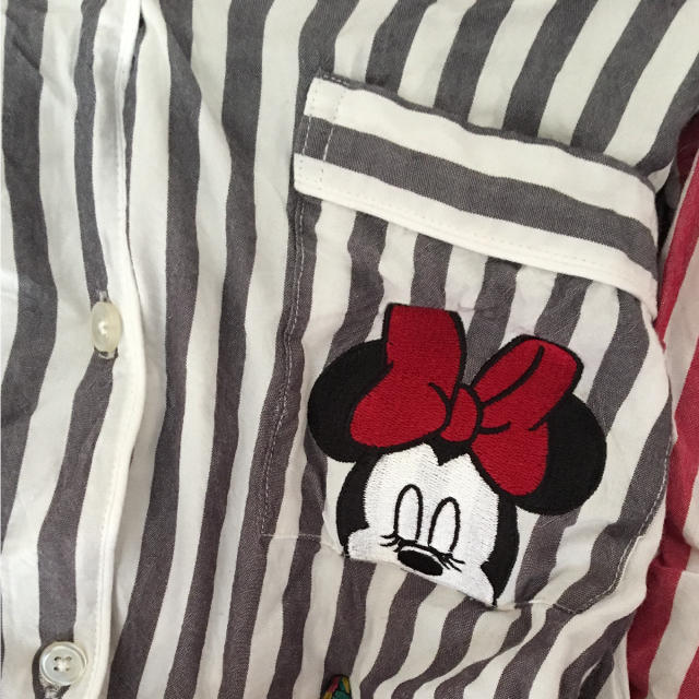 GU(ジーユー)の美品★GU★パジャマ★ディズニー★2点セット レディースのルームウェア/パジャマ(パジャマ)の商品写真
