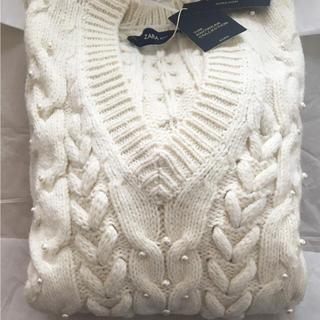 ザラ(ZARA)の完売品 ザラ パール ケーブルニット セーター Vネック リブ かぎ編み ブーツ(ニット/セーター)