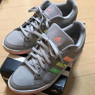 スニーカー 23.5 adidas