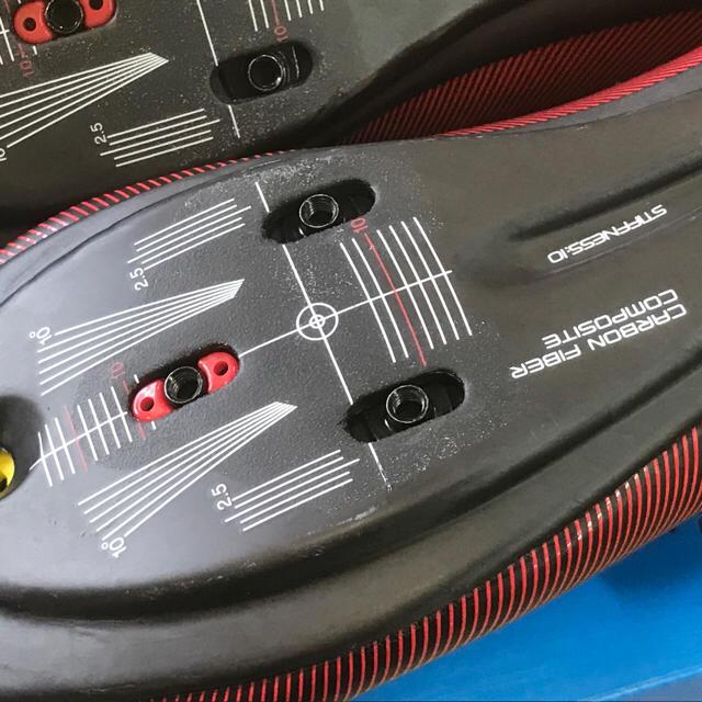 SHIMANO(シマノ)のシマノRC7 レッド系ロードビンディングシューズ スポーツ/アウトドアの自転車(ウエア)の商品写真