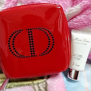 ディオール(Dior)のDiorノベルティコスメポーチ赤💎ミスディオール乳液✨(ポーチ)