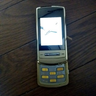 エヌティティドコモ(NTTdocomo)の古い携帯電話(携帯電話本体)