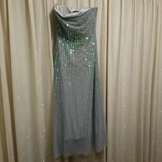 ビーシービージーマックスアズリア(BCBGMAXAZRIA)のBCBG スパンコールベアトップドレス(ロングドレス)