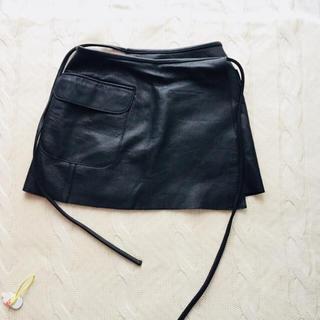 シェビニオン(CHEVIGNON)のシェビニオン 上質レザー ミニスカート ブラックカウレザー(ミニスカート)