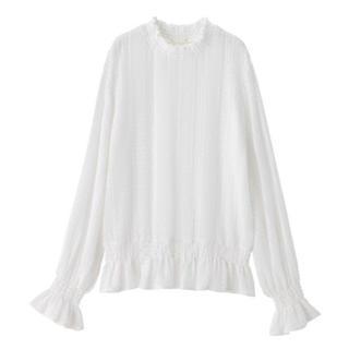 ジーユー(GU)のgu 大人気   完売 ホワイト  レースフリルネックT(長袖)(シャツ/ブラウス(長袖/七分))