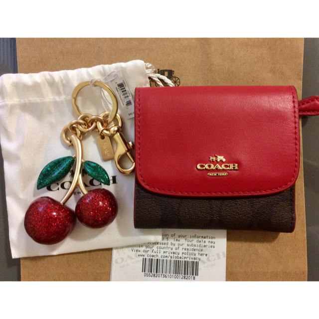 466bba6424e566 COACH - Sale! COACH チェリー🍒バッグチャームと折り財布の通販 by ...