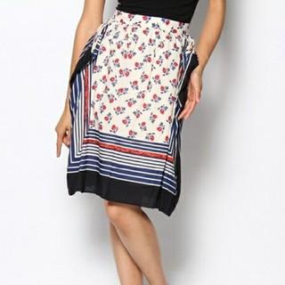 フィグロンドン(fig London)のfig london 花柄スカーフプリントスカート(ひざ丈スカート)